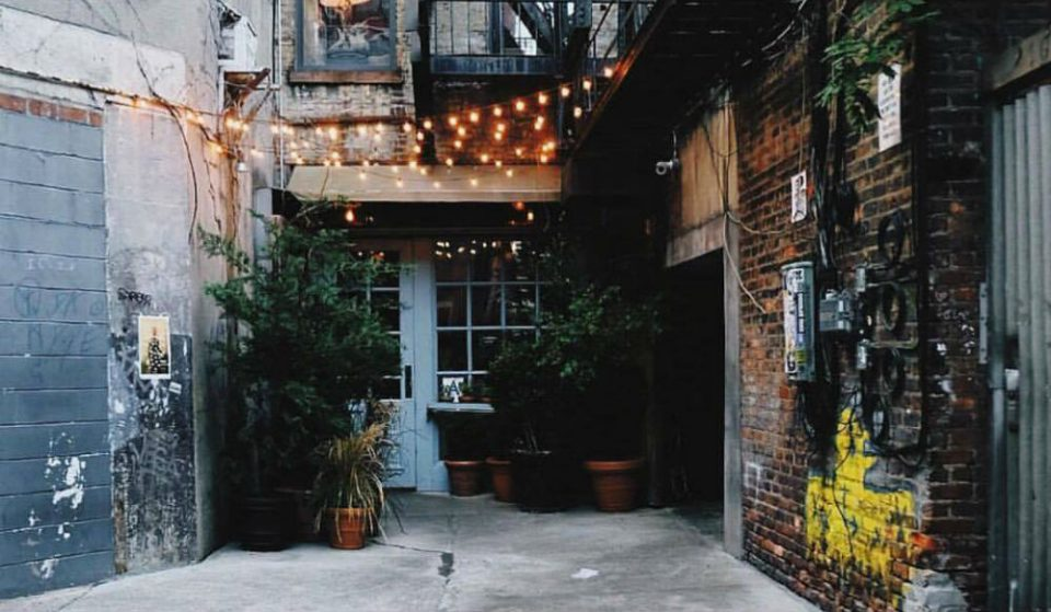 This Delicious Lower East Side Brunch Spot Is Hidden In A Tiny Alley