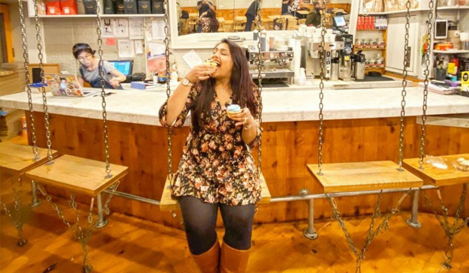 There's An Adorable Cupcake Bar With Swing Seats In Greenwich Village • Molly's Cupcakes