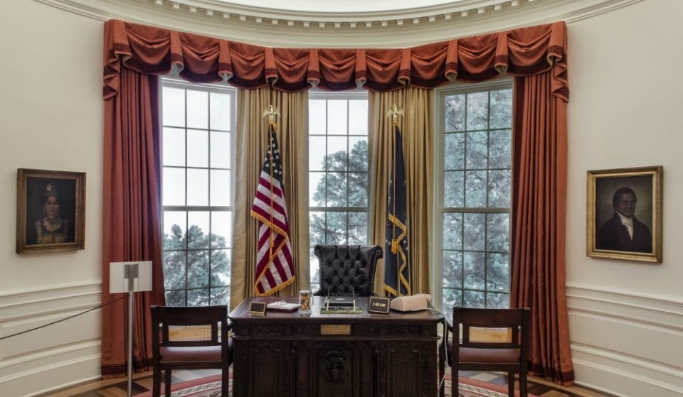 Live Out Your Presidential Dreams At The NY Historical Society's New Oval Office Replica