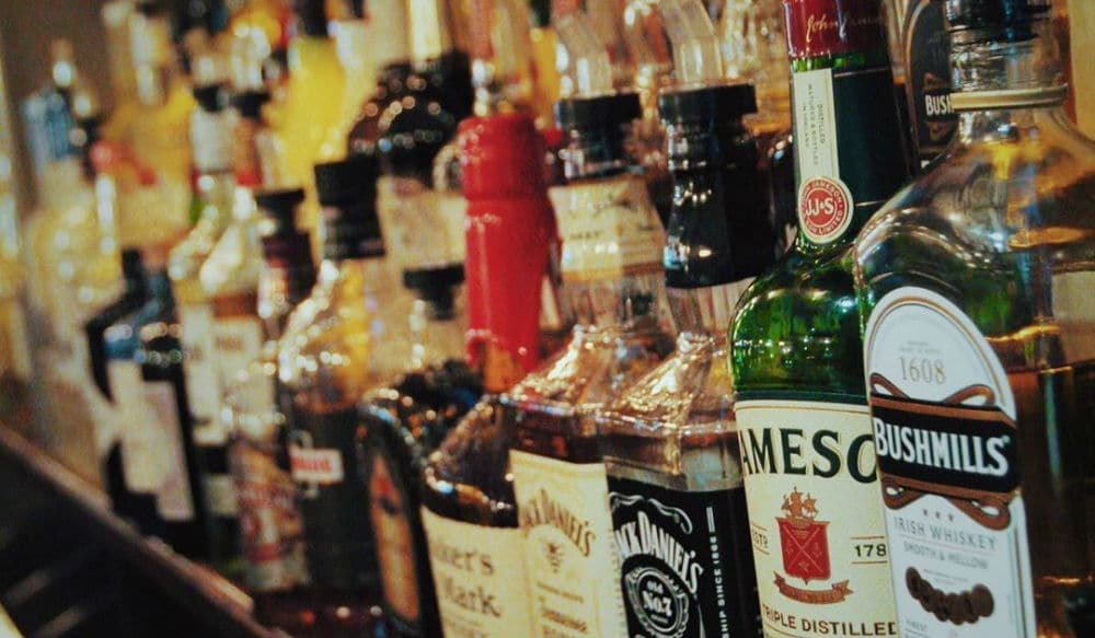Governor Cuomo Says Alcohol From NYC Bars Can Be Ordered As 'Take-Out'