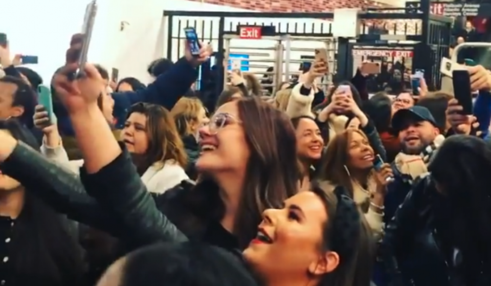 New Yorkers Have Their Own Celine Dion Karaoke In Brooklyn Subway After Concert