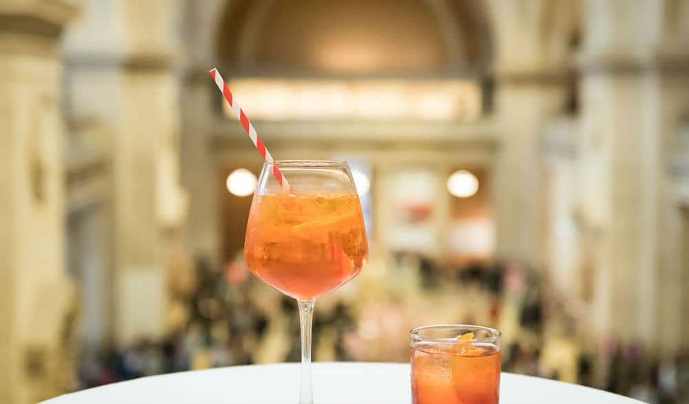 The Metropolitan Museum Of Art Is Hosting Its Magical 'Balcony Bar' Concerts Virtually