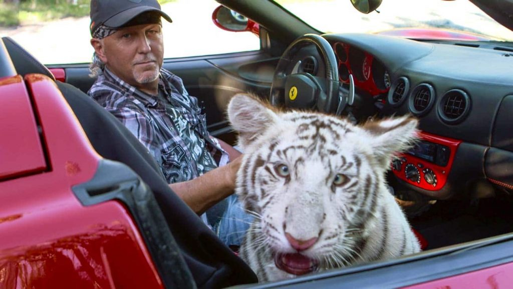 A New Episode Of 'Tiger King' Is Coming To Netflix Next Week, According To Jeff Lowe