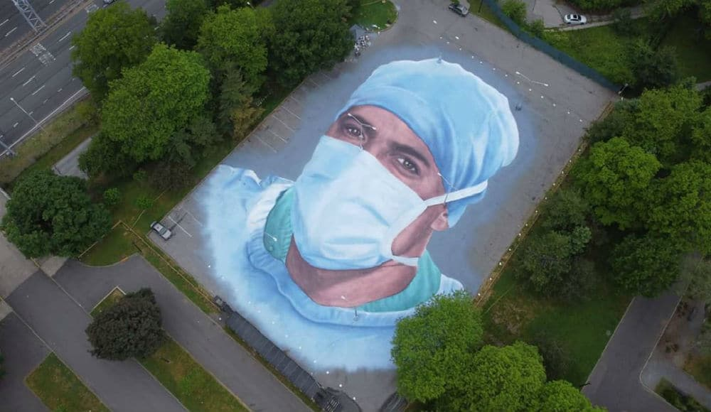 A Massive Mural Honoring NYC Healthcare Workers Has Appeared In Queens