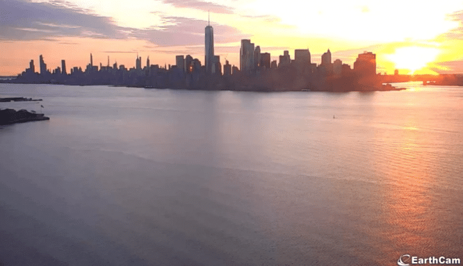 These Statue Of Liberty Livestreams Let You Catch The Perfect Sunrise Over The NYC Skyline