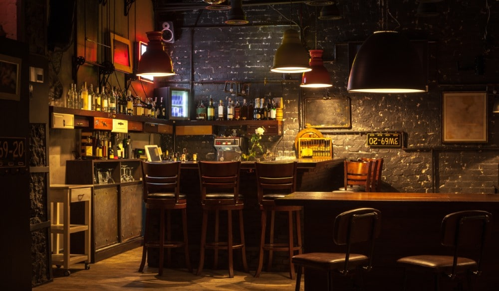 Relive Thursday Nights At Your Favorite Dive Bar With This Addictive Online Trivia Game