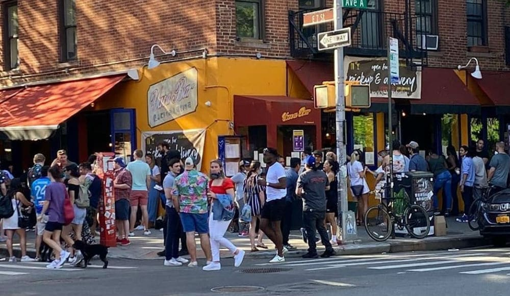 Photos: NYC Streets Turned Into A Party This Weekend With Hundreds Crowded At Bars & Restaurants