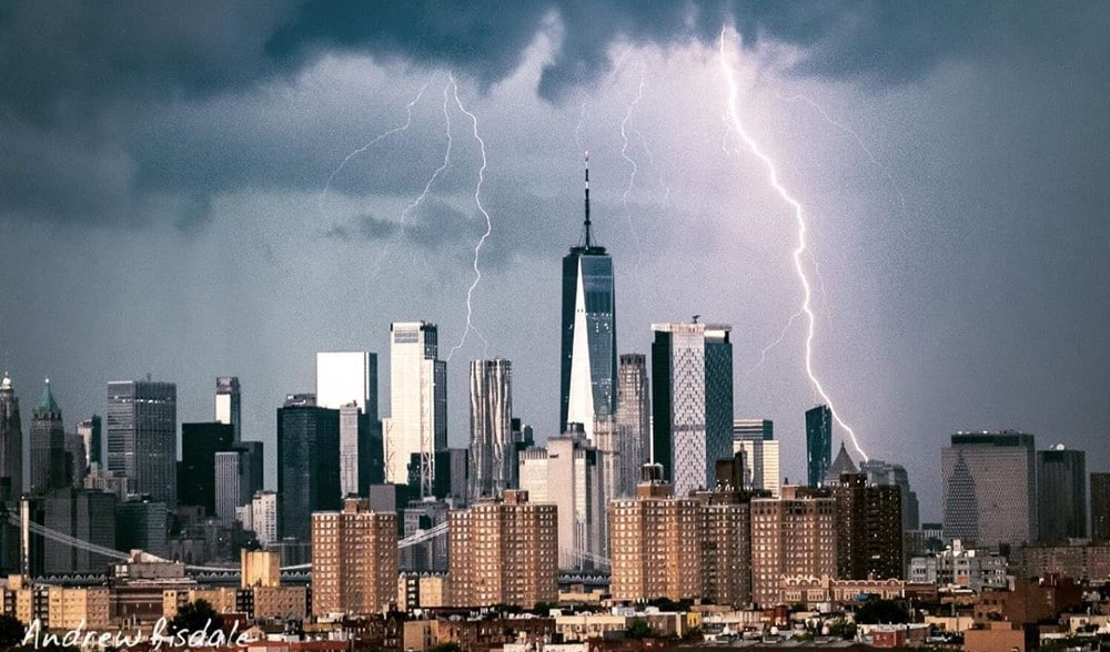 20 Epic Shots Of Last Night's Crazy Thunderstorm Over NYC