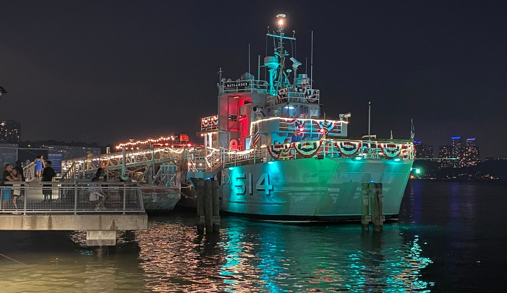 This Old Aircraft Carrier In Harlem Is Now A Breezy Floating Bar • Baylander Steel Beach