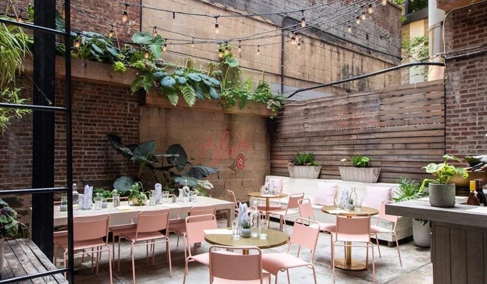 This Secret Garden Patio Is Hidden Beneath An Upper East Side Sandwich Shop • Blume