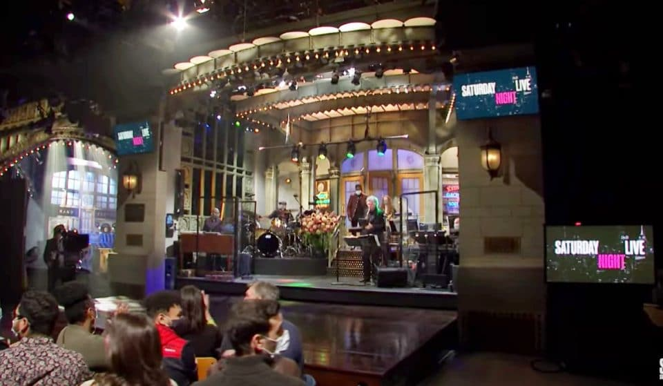You Can Now Get Paid $150 For Going To A Live Taping Of SNL