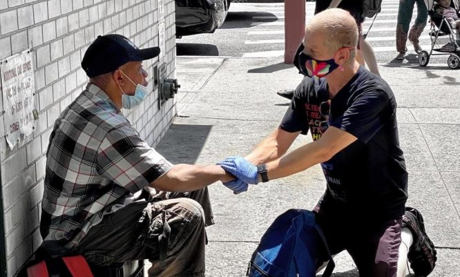 These NYers Have Given Out 18K Face Masks & 200 Gallons Of Sanitizer To NYC Homeless