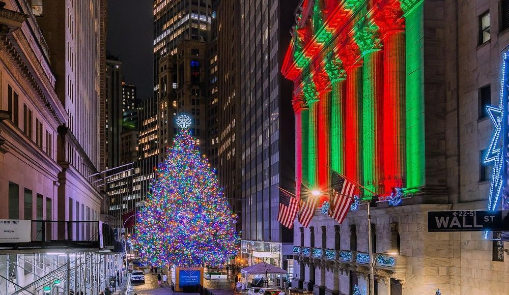 20 Prettiest Holiday Trees NYers Are Spotting Around NYC