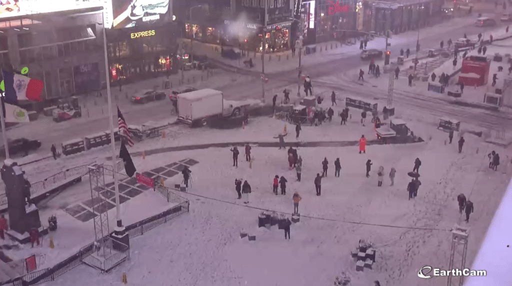 LiveCam: Watch First Nor'easter Of Winter Blanket Times Square In Snow Tonight