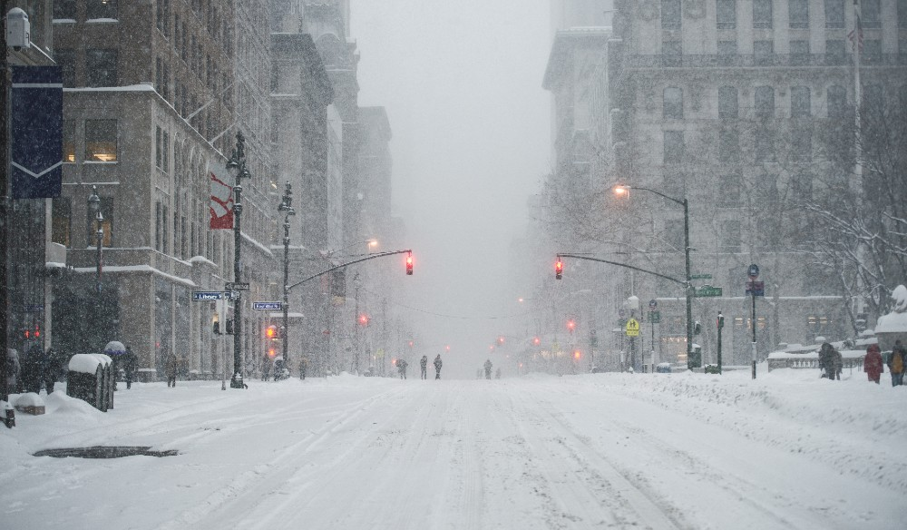 Massive Winter Nor'Easter Is Headed For NYC Tonight Through Tuesday