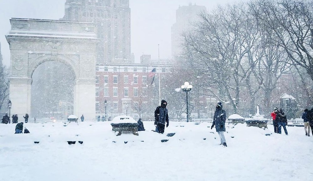 Photos: NYC Parks Absolutely Buried In Today's Snow