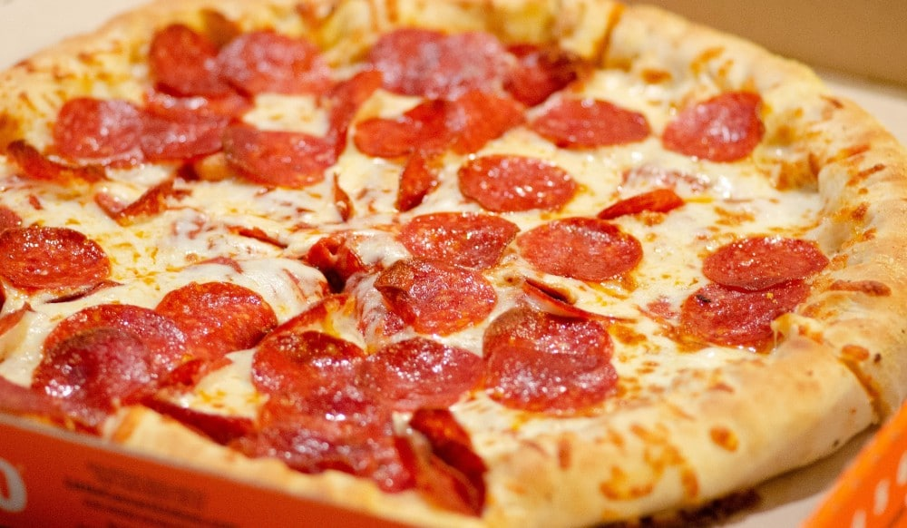 NY, NJ & Chicago Are Currently In A Twitter Fight About National Pizza Day