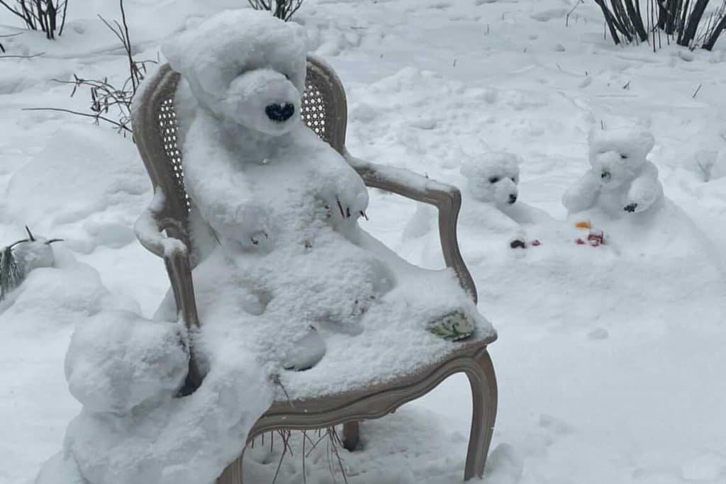 The Cutest Bear Snow Sculptures Have Taken Over Central Park