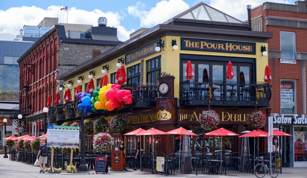 Restaurants, Bars, & Gyms Will Finally Reopen In Ottawa This Weekend