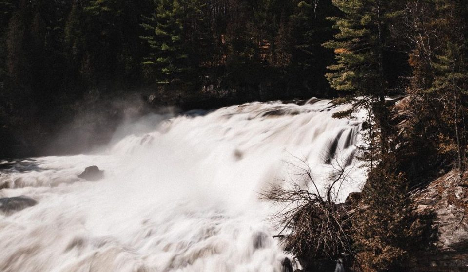 This Stunning Waterfall Is Only 45min Outside Of Ottawa!