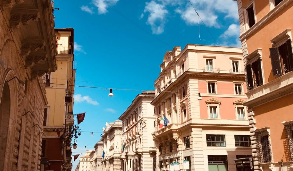 Mezza Italia a rischio zona arancione da lunedì. E il Lazio?