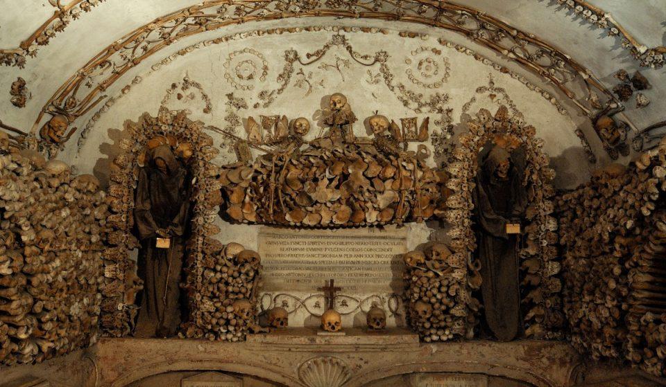 A Roma c'è una cripta decorata con ossa umane