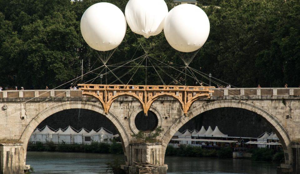 """A Roma puoi già ammirare l'installazione temporanea """"Ponte Farnese"""""""