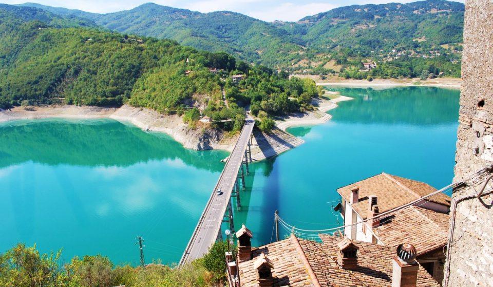 Alla scoperta del meraviglioso lago del Turano, a un'ora da Roma