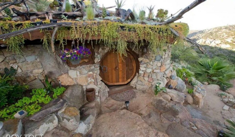 This Hobbit House Lies Hidden In The Hills Of San Diego