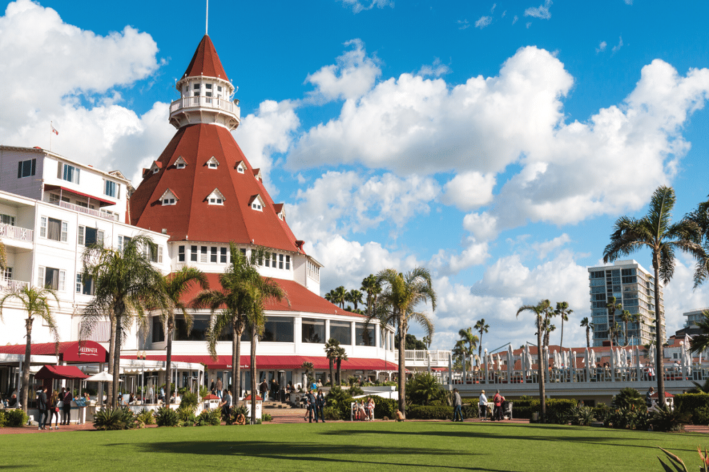 Get $1 Oysters At This Gorgeous Coronado Restaurant Today