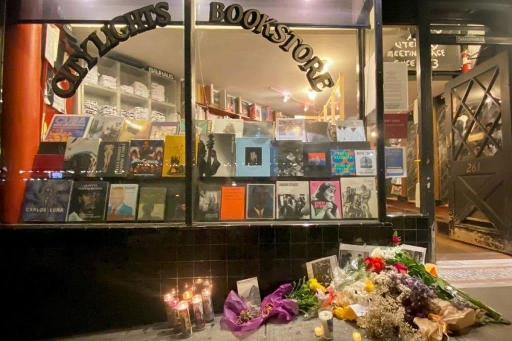 SF Residents Create Memorial for Poet Lawrence Ferlinghetti Outside Of City Lights Bookstore
