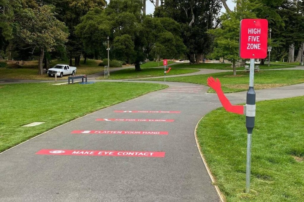 A Wholesome 'High Five Zone' Has Appeared In Golden Gate Park