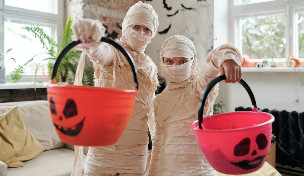 Skipping Trick-Or-Treating? Here Are 9 Safe Things You Can Do For Halloween