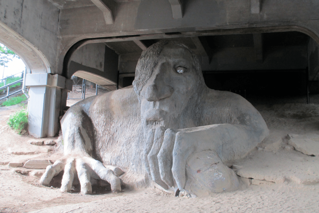5 Things You Need To Know Before Visiting The Seattle Fremont Troll