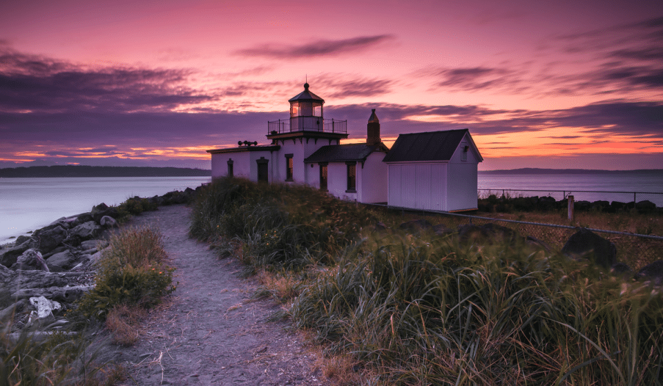 7 Of The Most Stunning Beaches In Seattle To Watch The Sunset