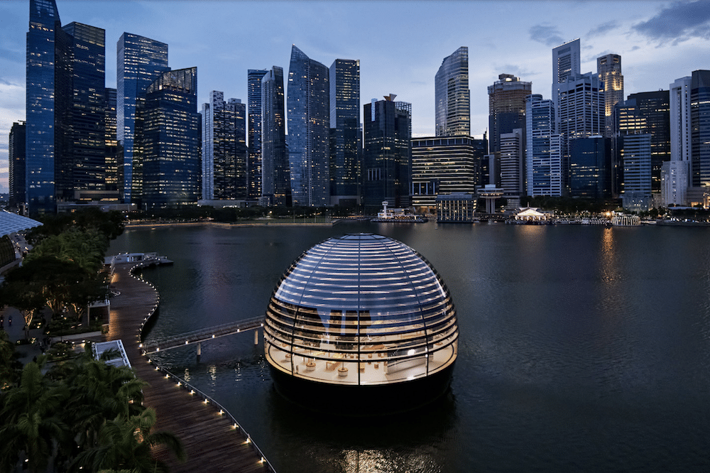 Apple Has Just Opened An Incredible Floating Store In Marina Bay