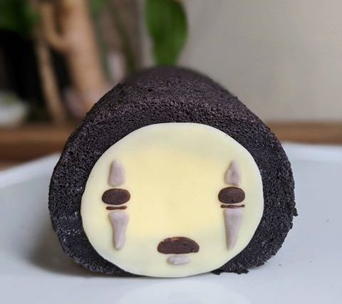 This Canadian Bakery Conjures Up Spirited Away 'No-Face' Cakes And We NEED To Try It • Love At First Bite