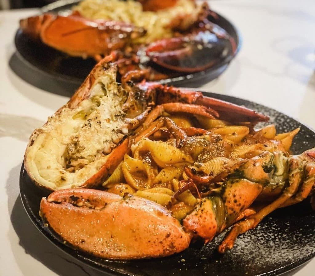 This New Singapore Lobster Restaurant Replicates The Experience Of Dining First Class While Travelling • Lobster Air