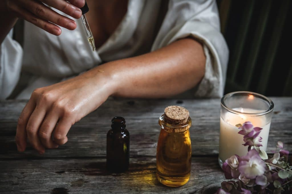 Try These Clean Beauty Workshops Or Organic Skin Care Consultation For Healthier Looking Skin