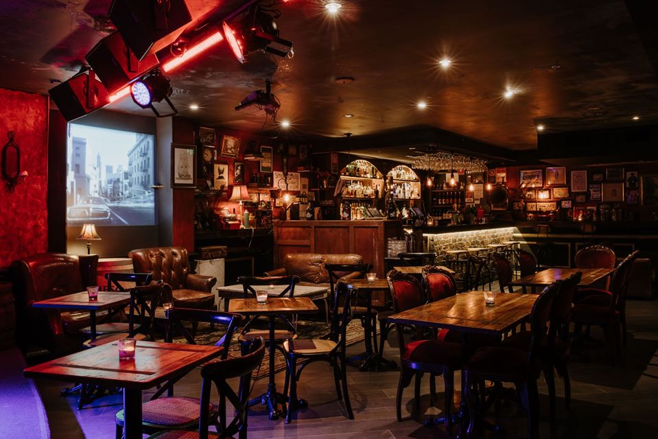 The Sydney Cocktail Bar With Live Music And All-You-Can-Eat Dumplings – Spring Street Social