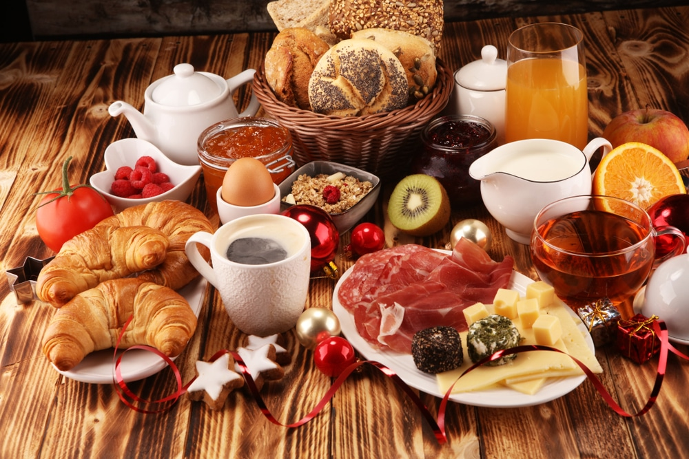 This Magical Christmas Brunch With An Open Bar Will Get You Into The Festive Spirit