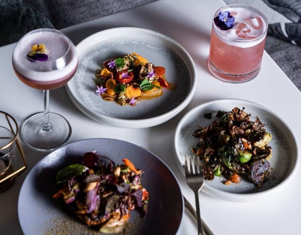 Drink Bottomless Beer And Wine At This Three-Course Dinner Soundtracked To Afrobeats · Moshen Restaurant And Lounge