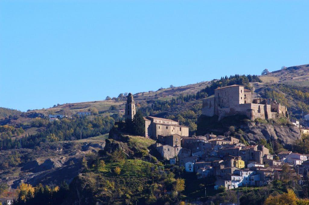 Dieses italienische Dorf verkauft Häuser für 1 €