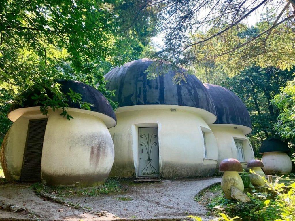 Das Schlumpfdorf existiert und befindet sich in Italien