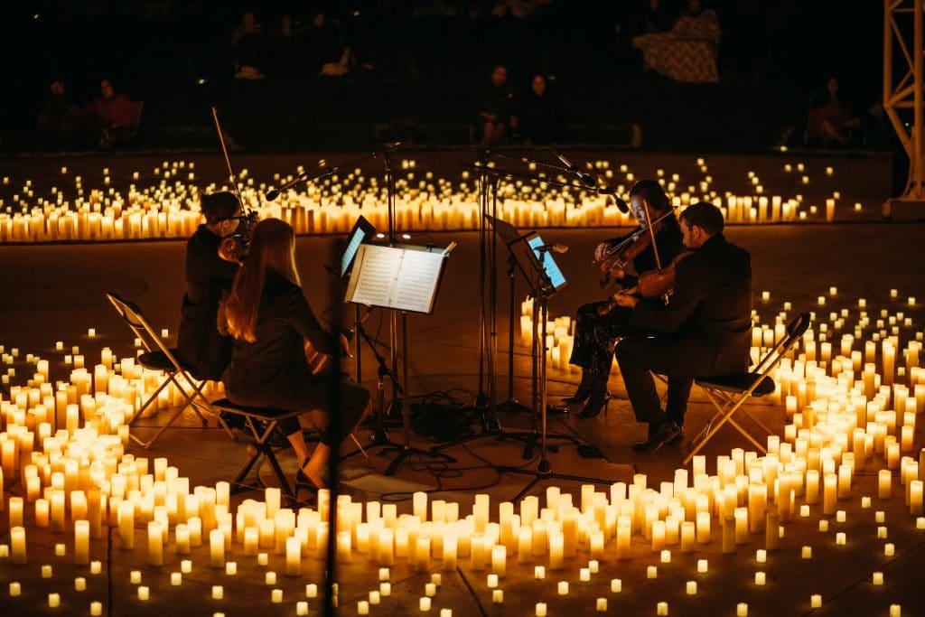 Zauberhafte Live-Musik im Kerzenlicht im Kunsthaus Auditorium