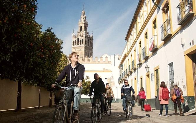 7 Apps que te resolverán la vida en Sevilla