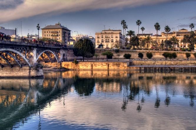 Dime qué estudias y te diré cuál es tu barrio: los mejores lugares para vivir en Sevilla