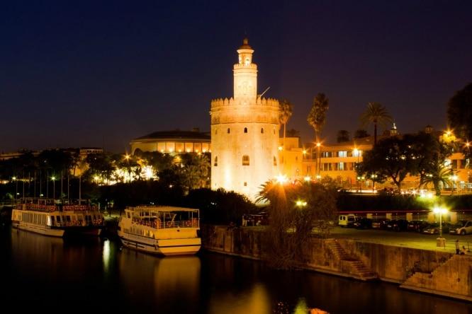 Los 7 mejores planes para una noche de viernes en Sevilla