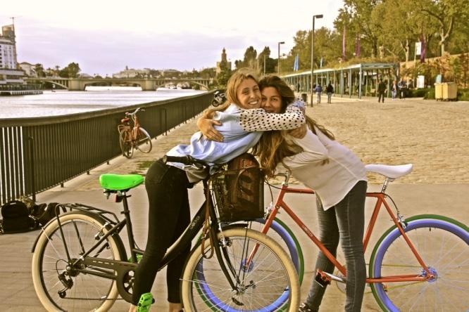 20 razones por las que tu mejor amigo debe vivir en Sevilla
