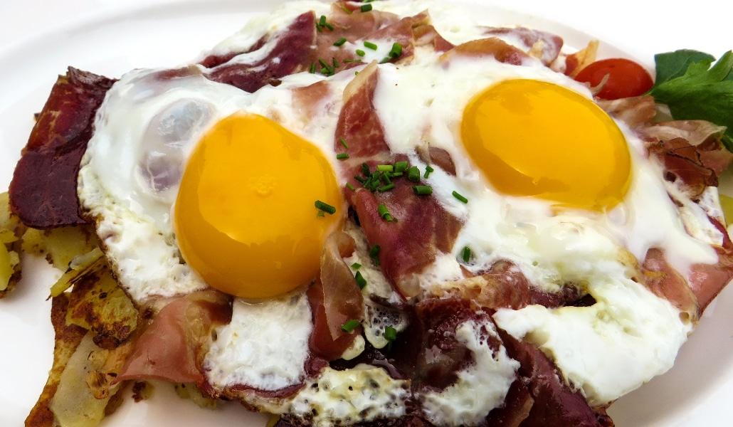 Dónde comer los mejores platos de Sevilla donde el protagonista es el huevo